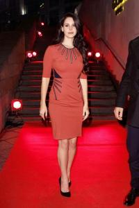 2013-lana-del-rey-fashion-dress-outfit-celebrity
