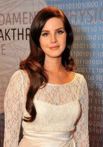 lana-del-rey-at-2014-breakthrough-prizes-ceremony-_1